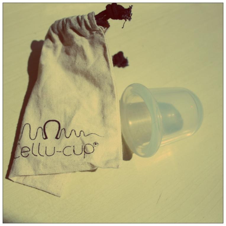 Cellu cup! Objet anticellulite je suis déjà complètement fan et je n'arrête pas de l'utiliser! 19€ (s'il vous plaît!)