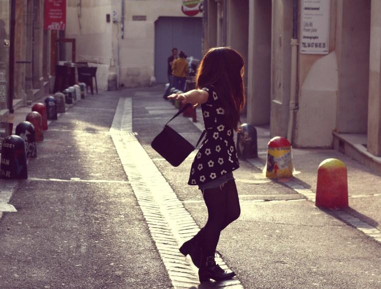Top - AppleTree via LiliaandJohn Short : Levis Vintage Chaussures - San Marina Sac - AppleTree via LiliaandJohn Bagues et Bracelet - Lou Even via Liliaandjohn Lunettes de soleil - C&A
