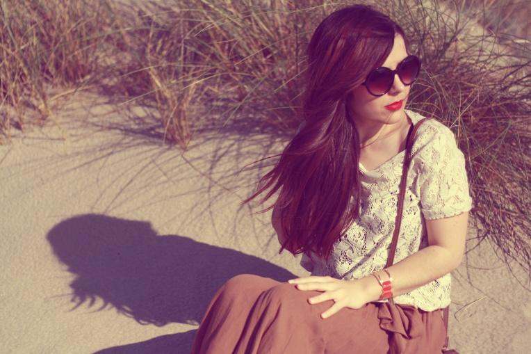 Top - Zara Jupe - Mango Sac - Mango Lunettes de soleil -C&A Bracelet - Anne Thomas Bottines - San Marina