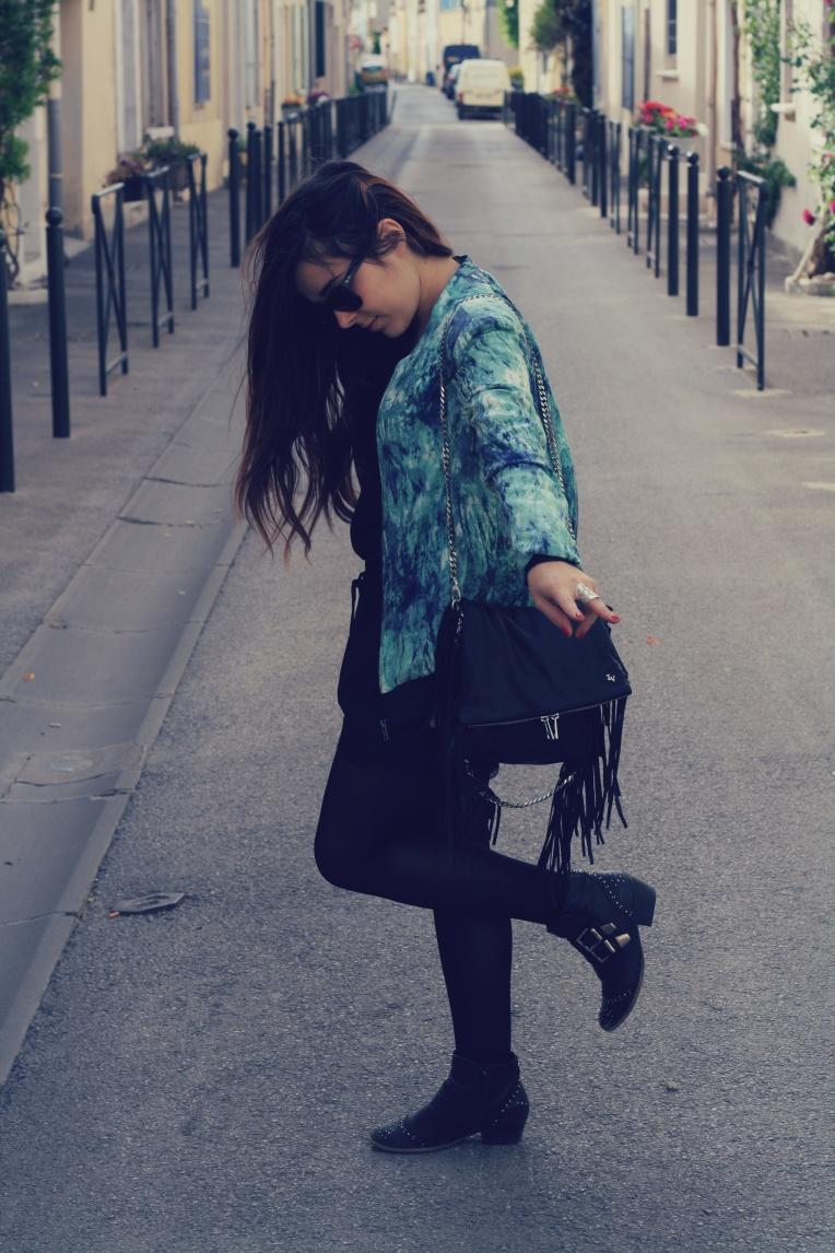 Veste - American Vintage Top - Mango Short - Zara Sac - Zadig&Voltaire Chaussures - André Lunettes de soleil - Ray Ban Bagues- Taïnoti Montpellier Bracelet - Bijoux Chérie